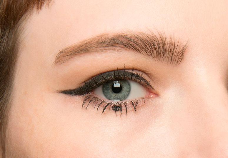 dot eye liner